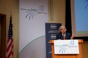United States Secretary of Energy Ernest Moniz